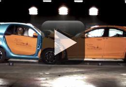 Veja teste de batida entre Smart Fortwo e Merecdes Classe S
