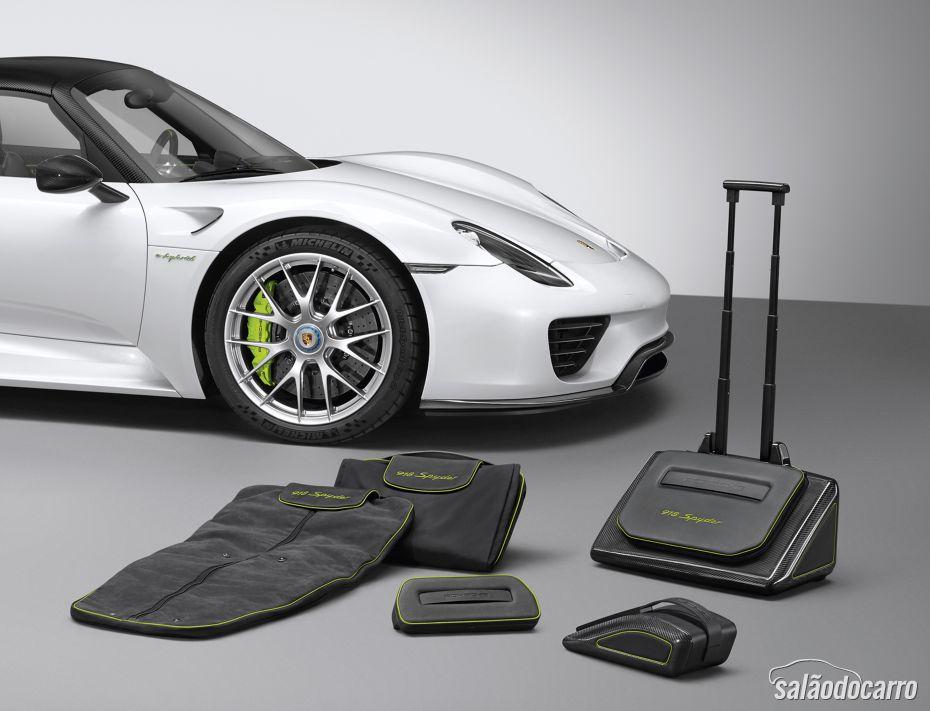Montadora lança kit de malas e bagagem para 918 Spyder