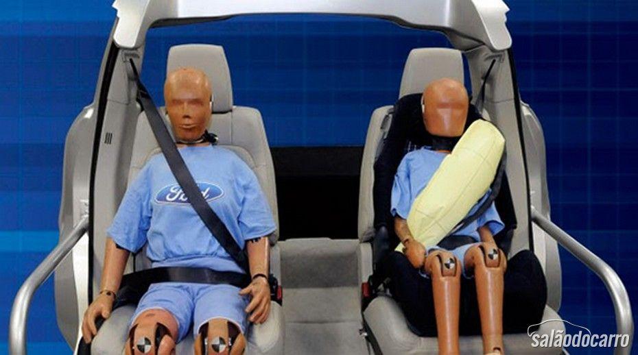 Ford Fusion 2015 terá cintos de segurança infláveis