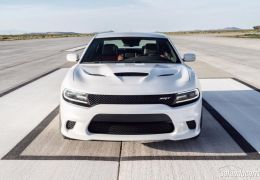 Dodge Charger SRT Hellcat é o sedan mais potente do mundo