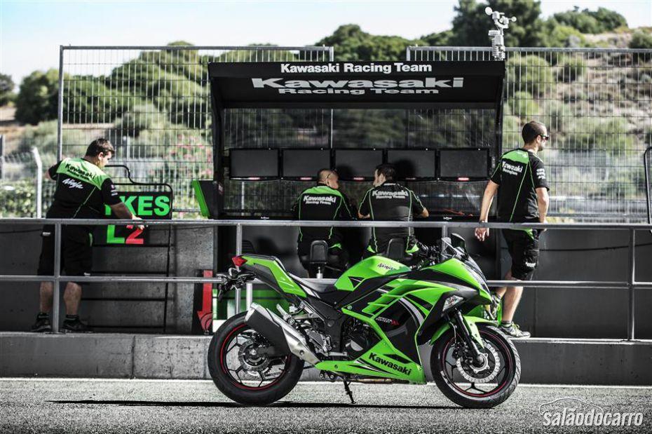 Kawasaki lança Ninja 300 Special Edition na Europa
