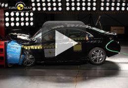 Confira o teste de batida do Mercedes-Benz GLA