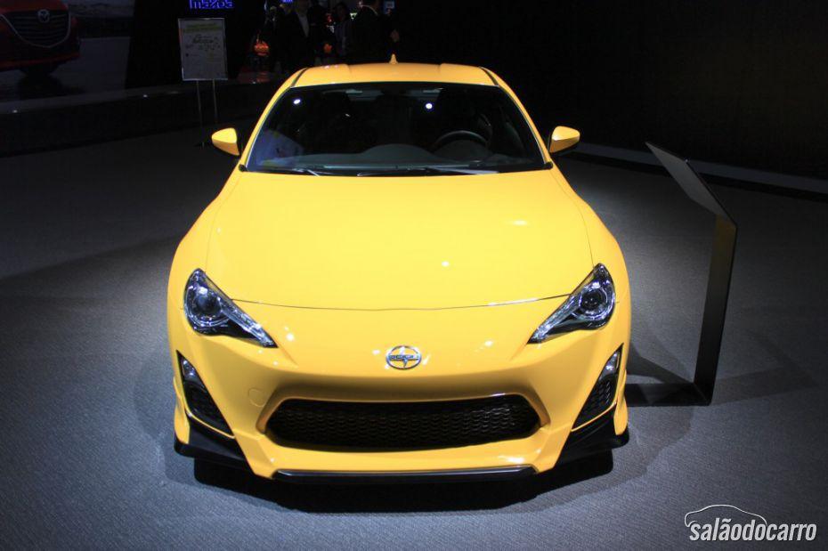 Toyota lança Scion FR-S 1.0