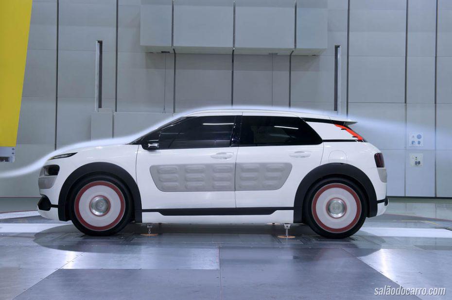 Citroën apresenta conceito econômico do modelo C4