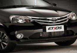 Toyota Etios 2015 chega com novos equipamentos