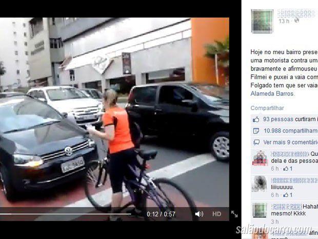 Ciclista protesta em frente a motorista que circulava pela ciclovia