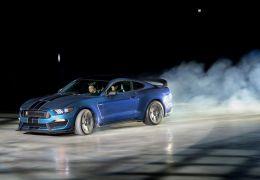 Ford apresenta Mustang GT350R