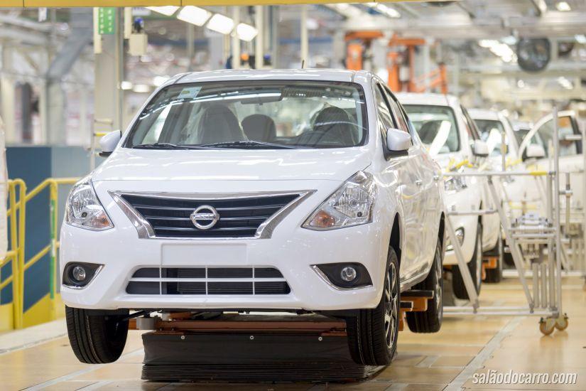 Nissan inicia produção do New Versa no Rio de Janeiro