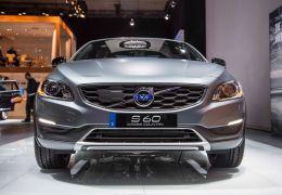 Volvo apresenta S60 Cross Country no Salão de Detroit