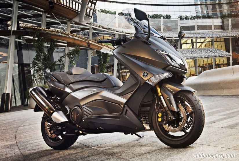 Yamaha T-MAX Iron Max 2015 chega à Europa por R$ 32 mil
