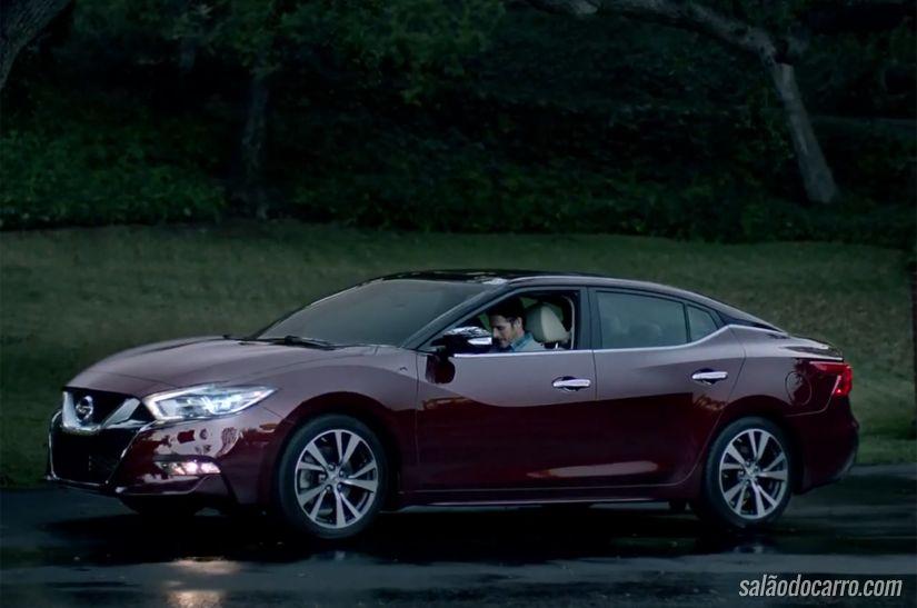 Novo Maxima aparece rapidamente no novo comercial da Nissan
