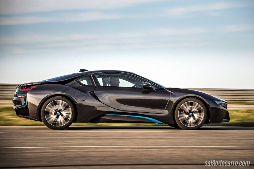 BMW deve lançar novo carro elétrico para rivalizar com Tesla