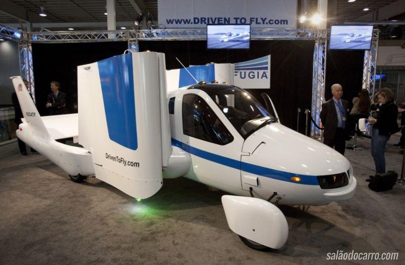 """Empresa quer vender """"carro voador"""" já no próximo ano"""