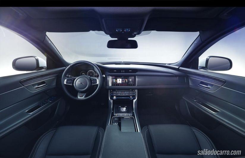 Jaguar divulga teaser do XF 2016