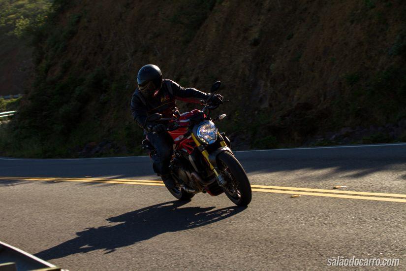 Nova Ducati Monster 1200 chega por R$ 64.900