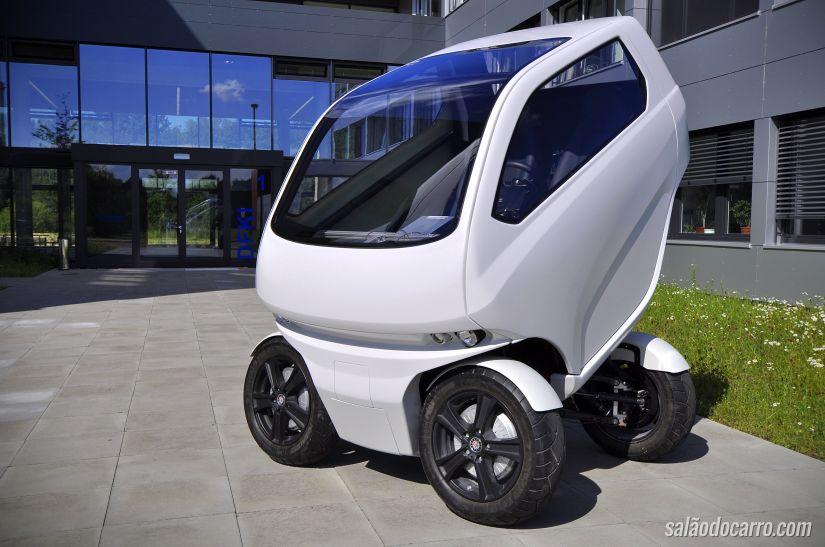 Protótipo de carro que anda de lado ganha vídeo de demonstração