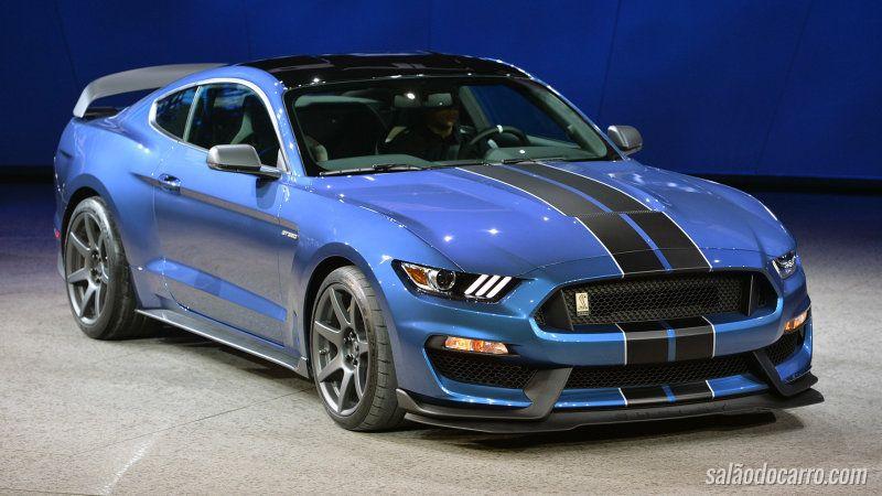 Ford presenteia fãs com edição limitada do Mustang Shelby GT350R