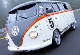 Kombi aparece com motor de Porsche e 530cv