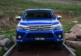 Toyota mostra nova Hilux na Tailândia e na Austrália