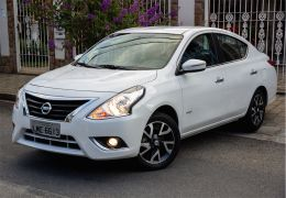 Teste do Nissan Versa Unique