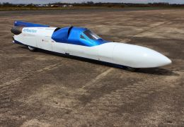 Moto a jato? Jet Reaction busca superar os 605 km/h