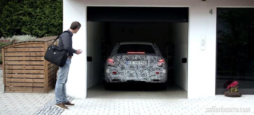 Mercedes apresenta seu sistema de estacionamento remoto