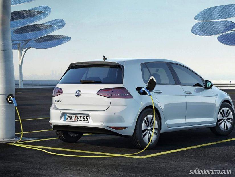 Volks apresenta teste com Golf elétrico que estaciona e recarrega automaticamente