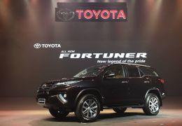Toyota SW4 2016 traz novo visual e surpreende em apresentação
