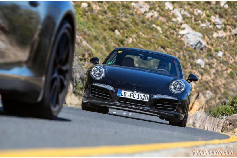 Porsche 911 ganha primeiras fotos oficiais de novo facelift