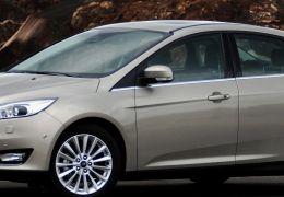 Ford lança Focus Fastback 2016