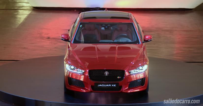 Jaguar lança XE no Brasil