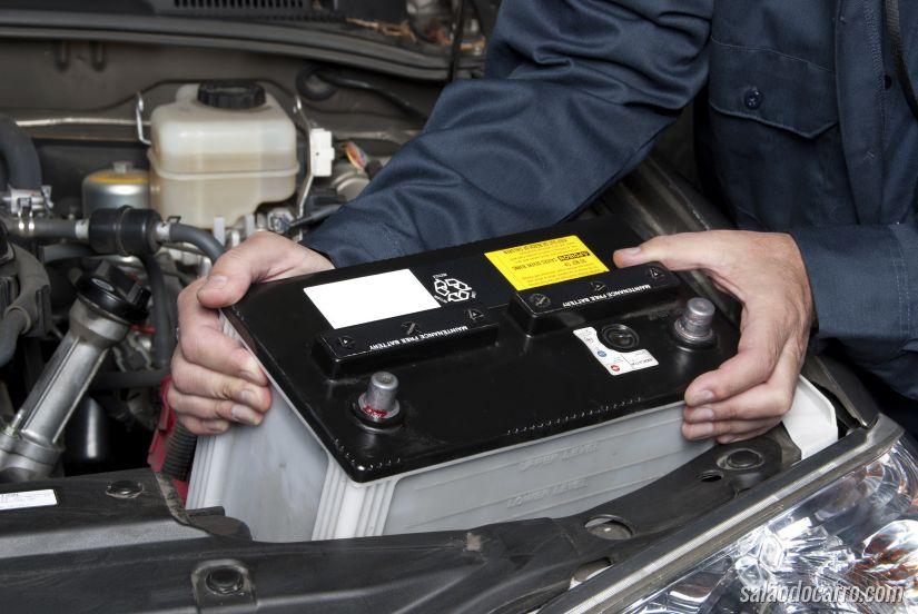 O que fazer quando a bateria do carro arriar?