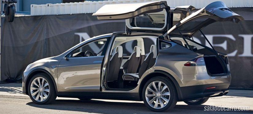 Tesla Model X chega com preços a partir de US$ 132 mil