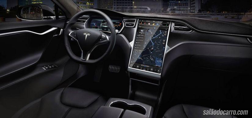 Motoristas postam vídeos com falhas do sistema autônomo do Tesla