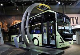 Volvo Bus lança versão de produção de ônibus 7900 Electric