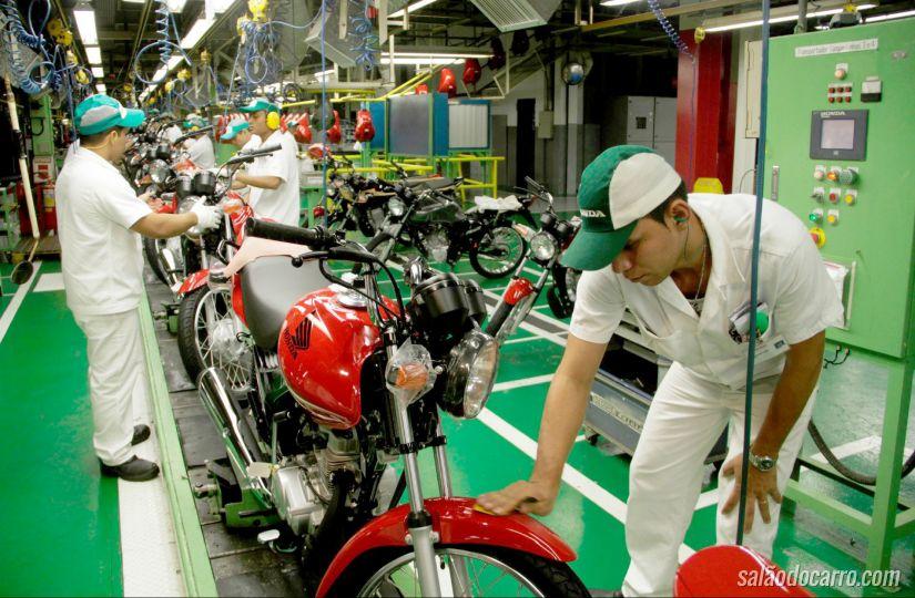 Produção de motos cai em outubro de 2015