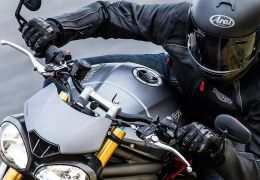 Triumph Speed Triple 2016 vem com novo motor