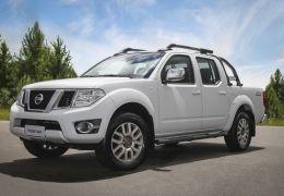 Nissan Frontier recebe linha 2016
