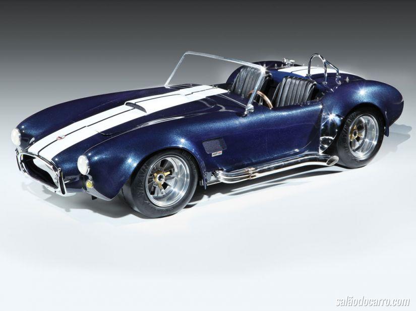 Shelby Cobra em miniatura chega a R$100 mil no leilão!
