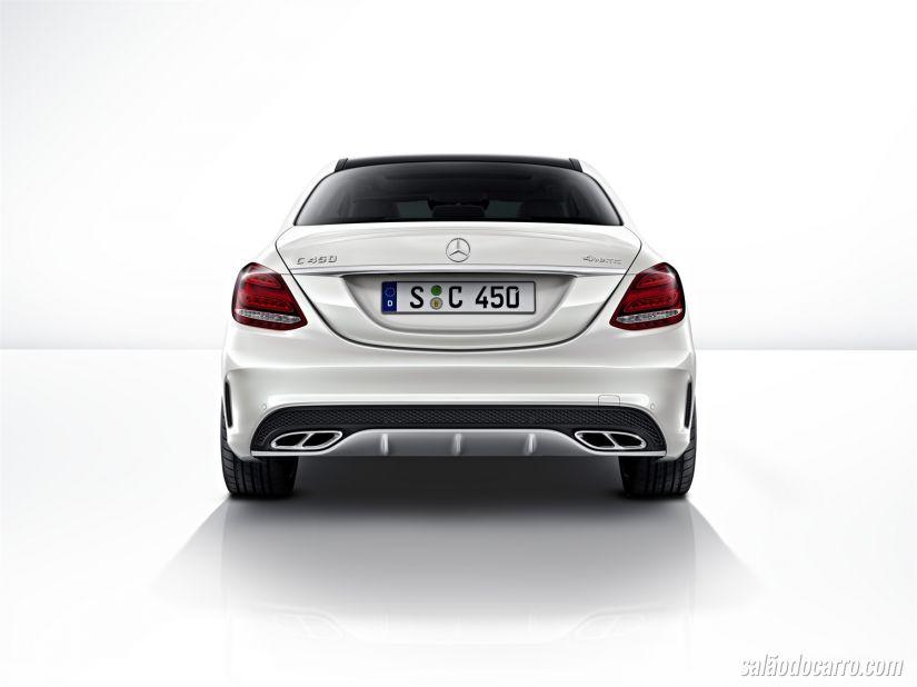 Mercedes anuncia reajustes para 2016