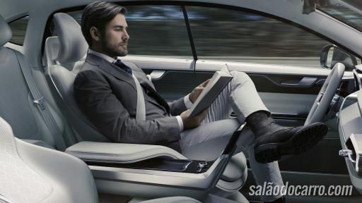 Volvo apresenta carro conceito com tela gigante para assistir vídeo por streaming