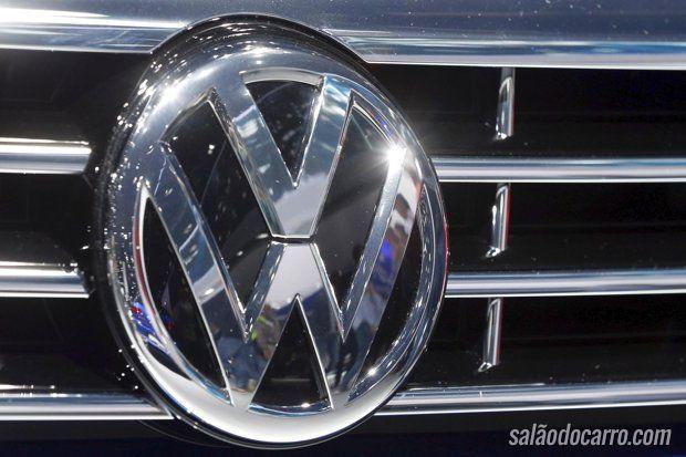 Volkswagen brinda com escolha do nome do novo carro compacto