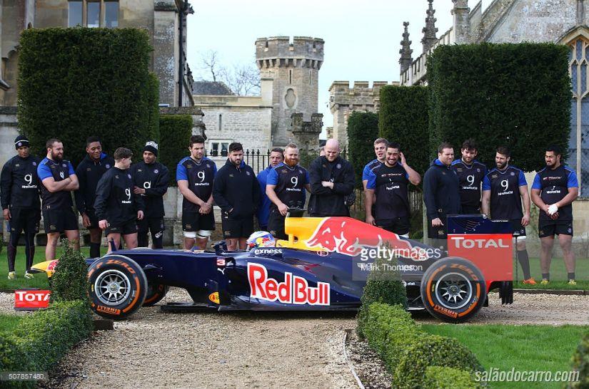 Quem é mais forte: Carro de F1 ou Equipe de Rugby?