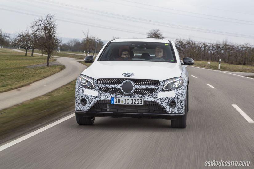Mercedes divulga novos vídeos do GLC Coupé
