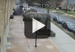 Câmeras flagram carro caindo de estacionamento
