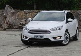 Teste do Ford Focus Titanium Plus sedã