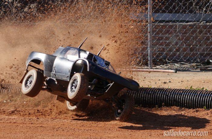 Carro autônomo consegue fazer drift sozinho