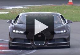 CEO da Bugatti aparece dirigindo Chiron a mais de 300 km/h
