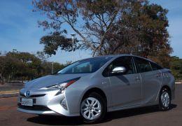 Teste da quarta geração do Toyota Prius no Brasil
