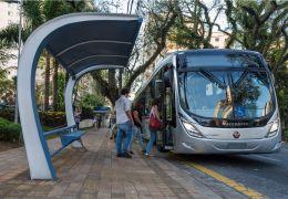 Scania começa a vender ônibus movidos a biometano e GNV no Brasil